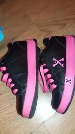 Girls pink sports heelies