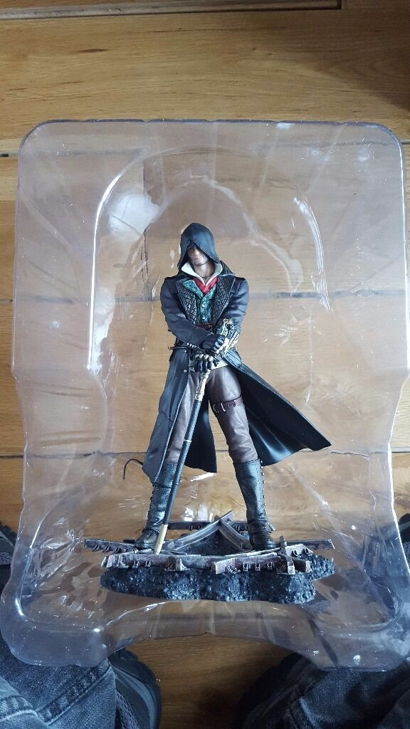 Assassins Creed syndicate statue as newin Hounslow, LondonGumtree - Assassins Creed syndicate statue as new Assassins Creed syndicate statue as new Assassins Creed syndicate statue as new