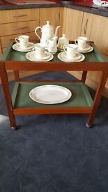 Wooden tea trolley with 2 trays