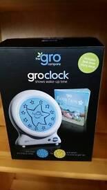 Toddlers grow clock