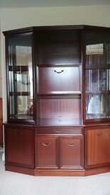 Lounge display cabinet. Ecellent condition. Loads of storage. £75.00 ONO