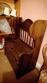 Wooden seat/storage unit