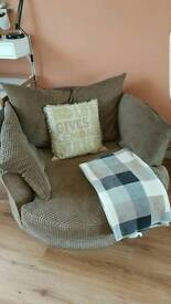Dfs 3seater sofa and cuddle chair