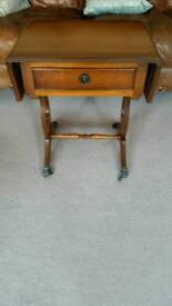 Good quality lyre ended yew coffee/occasional table that extends