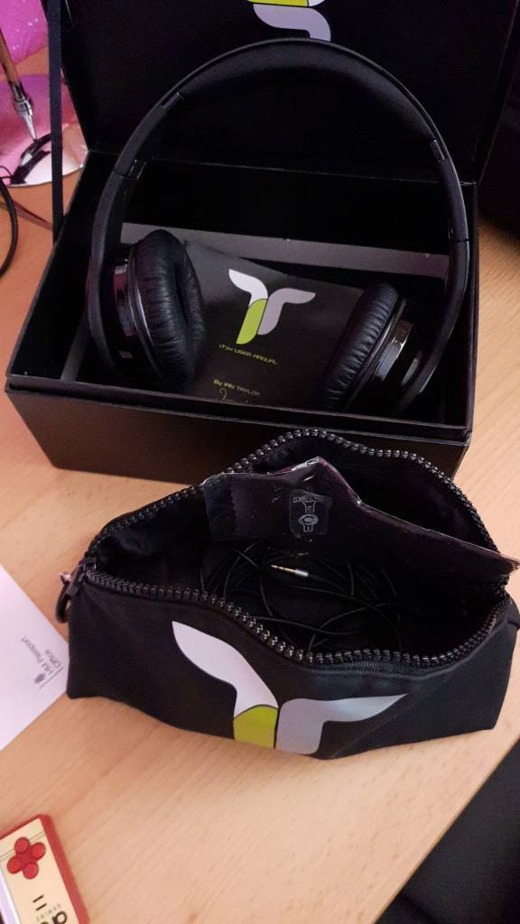 Wireless Bluetooth Headphones by Ian Taylor