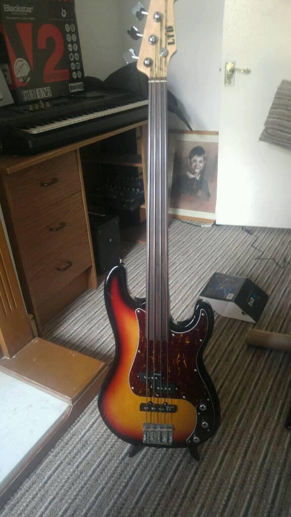 LTD fretless bass