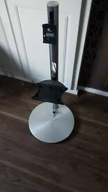 B&O tv and speaker stand