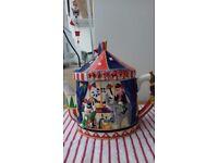 Annie Rowe teapot circus design