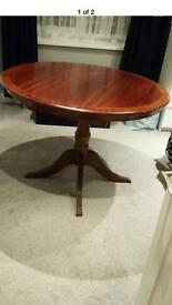 Round Extendable Table 6 Chairs