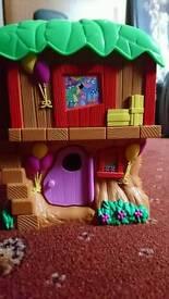 Dora the Explorer tree house + Boots figurine