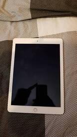 iPad Air 2! Like new! 32gb