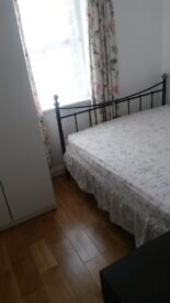 Great double room for rent, with bathroom. Very clean and quiet house.