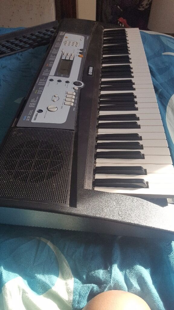 Keybroard for salein Hampton, LondonGumtree - A fully working practically new keyboard. Barely used, to go to a good home. MUST COLLECT TW12 1LH
