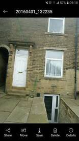 1 bed though terrace property to let