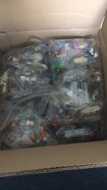 1000 Lego figures job lot