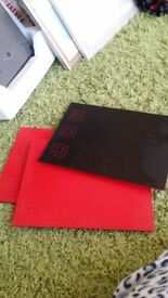 4 RED/BLACK TABLE PLACE MATS