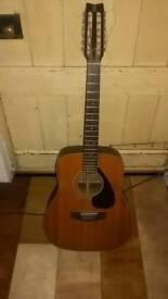 12 string yamaha FG 260