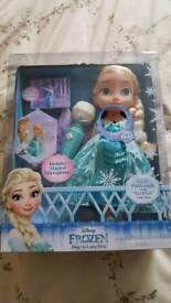 Disneys Frozen Sing-a-long Elsa