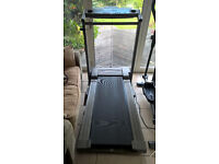 Reebok RT1000 Motorised Treadmill, Running machine with motorised incline, folds up for storing