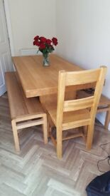 Oak table with benches and 2 chairs - Free standing Gas cooker range - 6 burner