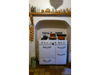1950's New World Gas Range Cooker with large oven, warming/slow oven, grill, 4 gas rings and griddle