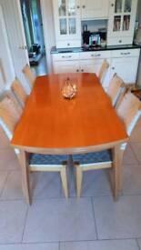 Solid beech extending table