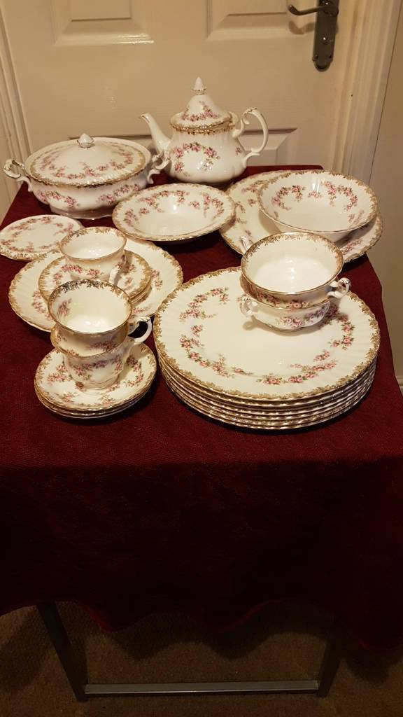 Royal Albert Dimity Rose 50+pcs..vintage/seconds mix; highly desirable collect/cash only