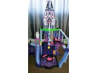 Monster high dolls Catacombs House