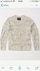 Abercrombie Fitch Sweatshirt in Camouflage- cream