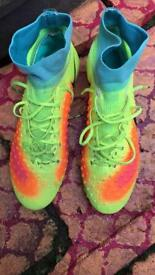 Football boots size 8,5 really price 90£