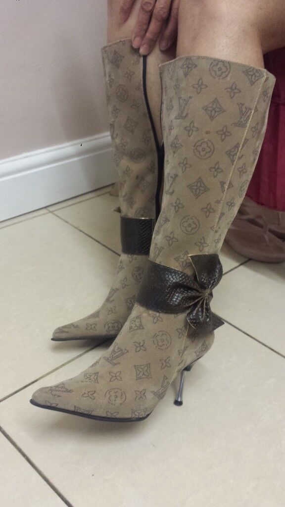 New Ladies Louis Vivaton Boots UK Size 4 to 4.5 CAN POST OR DELIVER LOCAL