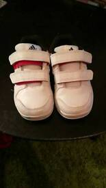 Little boys addidas trainers size 5 barely worn