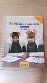 The Phonics Handbook in Print Letters by Sue Lloyd (Jolly Phonics) - As New
