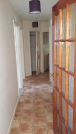2 bedroom flat ground floor flat in nice area. Double glazing, gas central heating.