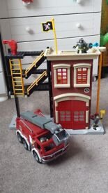 Imaginext Fire Station with Fire Engine