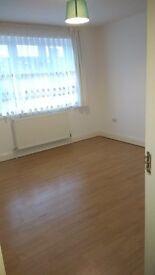 Double Room -2 week deposit only!!