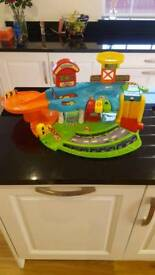 TOOT TOOT KIDS TOY GARAGE WITH LIFT SOUNDS AND LIGHTS