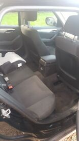 BMW X1 BLACK GREAT CONDITION. 5 SEATS LARGE BOOT SPACE