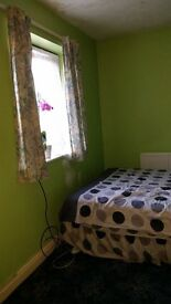 FURNISHED DOUBLE ROOM FOR PROFESSIONAL NON SMOKER WILLEN £430-£480 PER MONTH IN NICE FRIENDLY HOUSE