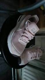 Nike Air max trainers sz 3 worn once