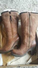 Ladies timberland boots - size 7 with bag and box