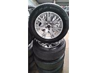 "Genuine Range Rover Evoque alloys 18"" MINT Pirelli Tyres"