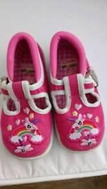 Child's kid's Girl's shoes - Clarkes Doodles 5 .5