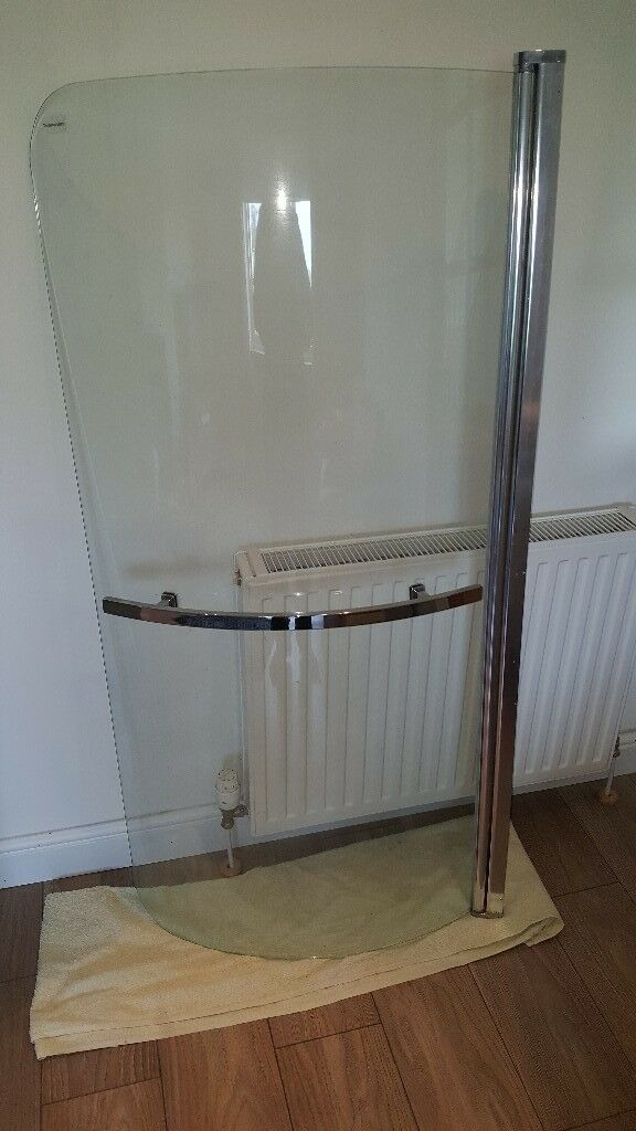 Curved Shower Bath Screen Hinged With Chrome Towel Rail