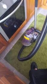 Bush bag less. Cylinder vacuum cleaner
