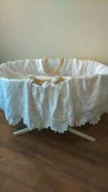 Toys R Us Baby moses basket & stand