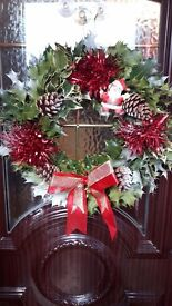 Holly dòor wreaths avalible in 4 different colours