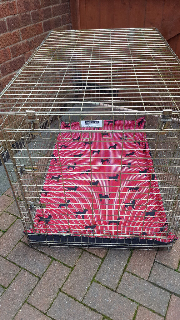 dog cages/beds