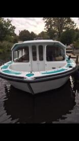 Bounty 37 Norfolk Broads Cruiser a lovely live aboard boat