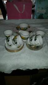 Bone china 21 piece Queen Anne teaset in excellent condition £15
